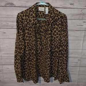 Gorgeous leopard button up